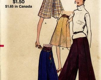 Vogue 8002 Misses Pant Skirt Culottes Split Skirt Palazzo Pants Size 8 Waist 23 Hip 33 1/2 Uncut Vintage Sewing Pattern 1970s