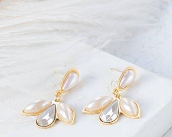 Small Artemis Earrings, Bridal Earrings, Pearl Earrings, Wedding Earrings, Swarovski Earrings