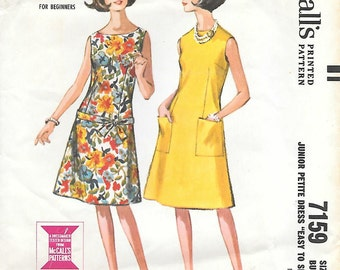 McCalls 7159 1960s Easy to Sew Sleeveless Dress with Hip Pockets Vintage Sewing Pattern Bust 32
