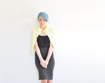 pastel yellow mod knit cape . pale 1960 peter pan collar sweater capelet .extra small.small.xs