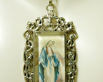 Miraculous medal pendant with chain - AP12-302