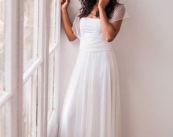 Romantic hearts wedding dress in tulle, flirty wedding dress lace, non traditional wedding dress, infinity wedding dress, tulle wedding gown