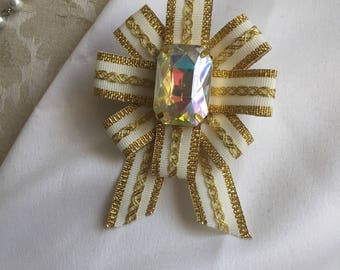 Virgin Queen Military Ribbon Pin White and Gold