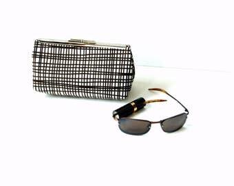 Clutch handbag, kisslock frame closure, brown white funky plaid, kiss lock purse, metal frame purse, frame handbag
