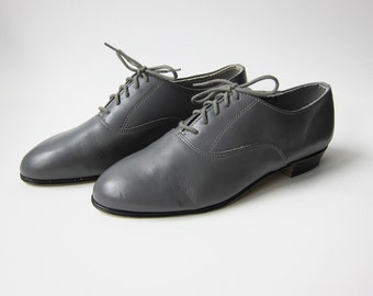 Vintage 1970s Shoes / Grey Leather Oxfords Jazz Shoes / Size 9 Women / Size 7 D Men