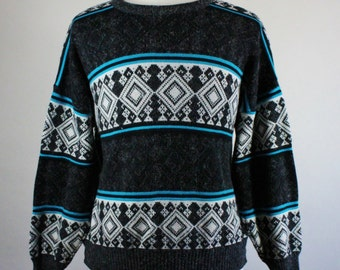 80s Tribal Print Sweater. Angora Sweater.  Black White Blue Sweater. Fall Winter Sweater. Mens Size Xl.  GOGOVINTAGE