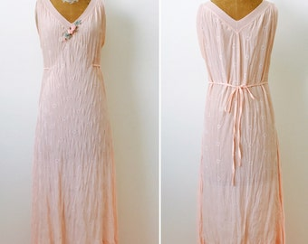 Vintage 1930s Pastel Pink Slip/Vintage Bridal/Ribbonwork rosettes/flapper dress/V neck/Pink ribbon