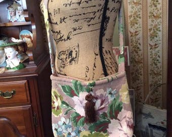 Vintage 1990s Shoulder bag Purse Cross Body Hand Made From Floral 1950s Barkcloth Festival Hippie Style