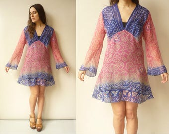 1990's Vintage Bohemian Ombre Tie Dye Chiffon Bell Sleeve Hippie Beach Tunic Mini Dress
