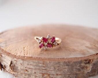 vintage 10k gold Ruby Diamond Cluster Ring ... size 6.25
