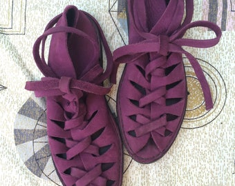 Leather gladiator sandals, lace up purple suede 7 7.5