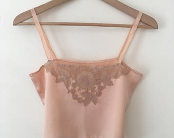 Beautiful 1920s/30s handsewn, pale peach cami top