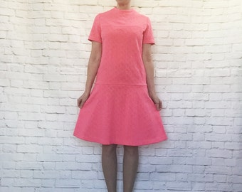 Vintage 60s Mod Hot Pink Honeycomb Texture Dress M L Drop-Waist Flared Knee Length