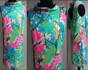 Vintage 1960s Dress//60s Dress//Plunging Low Back//Retro//Floral//Mad Man//Rockabilly//New Look//Shift//