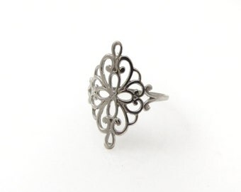 Lace ring. White gold Floral ring. Filigree gold ring. Filigree white gold ring. Dainty gold ring. Gold ring. Gift for her.