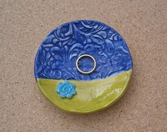 Green and blue ceramic ring dish, jewelry holder with flowers, Handmade tealight holder, Candle holder, Home decor