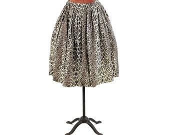 Vintage 1950's Cream Taffeta Abstract Animal Leopard Novelty Print High Waist Full A-line Party Skirt XS