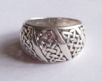 SALE Vintage Sterling Silver Puffy Dome Style Celtic Knot Thick Band Size 9