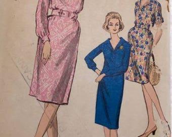 VOGUE 5776  - 1960's  Misses Size 12  Sheath dress
