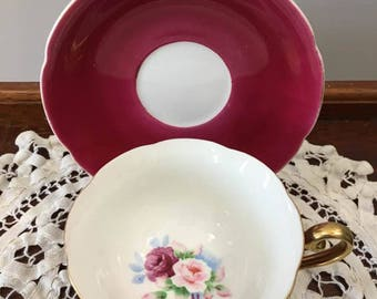 Tea Cup and Saucer with Hidden Rose Bouque / Marroon and Pink Roses / Meiko Japan