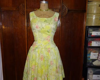 Vintage 1950s Easter Parade Dress Yellow Floral Full Skirt Drop Waist size Small