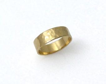 men wedding ring. Men wedding band. Hammered wedding band. 14K Hammered yellow gold wedding band (2129)