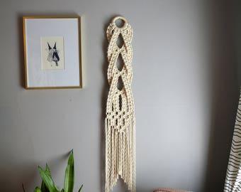 Small Macrame Wall Hanging, Woven Wall Hanging, Wall Hanging, Modern Macrame, Tapestry, Fiber Art, Boho Wall Art, Wall Decor, Macramé