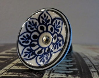 Wine Bottle Stopper - Blue and White Flower Wine Stopper