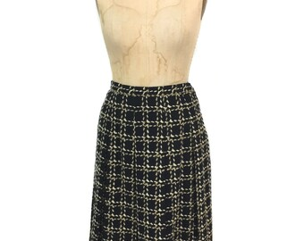 vintage 1950s pleated plaid skirt / black tan / wool / full skirt / women's vintage skirt / size medium