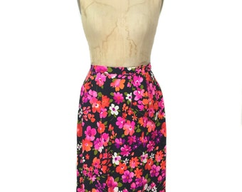 vintage 1970s floral wrap skirt / dark floral / cotton / neon bold print / spring summer / women's vintage skirt / size medium