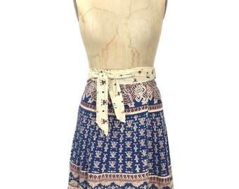 vintage 1970's Indian cotton wrap skirt / cream blue red / lotus flowers / novelty print skirt / women's vintage skirt / size medium