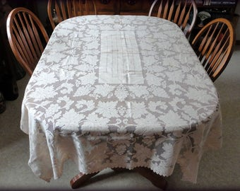 "Vintage Grapes & Leaves Net Lace Tablecloth 62"" x 84"" Cotton Petal Hem Banquet Dining Table Cloth Rectangular Filet Crocheted Linens Doily"