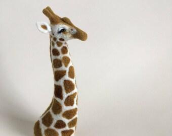 Needle Felted Giraffe // Giraffe Finger Puppet // Felted Giraffe // Felted Animal
