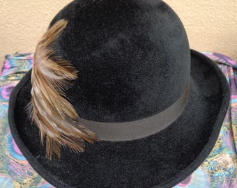 Ladies Vintage Edwardian 20's Style Feather Trim Black Velvet Derby Hat - Small
