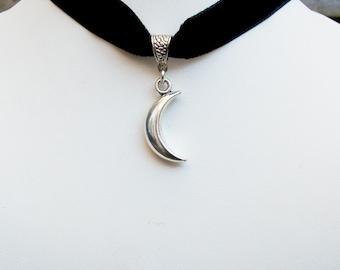 Crescent Moon Pendant Choker - Black Velvet Moon Choker - Black Gothic Choker - Moon Jewelry - Moon Choker Necklace - 16mm Black Choker