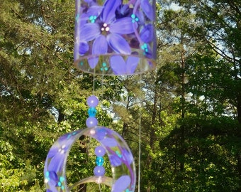 """Wind Chime, Purple Daze,  -  Wine bottle recycled into a """"Wine-Chime"""""""