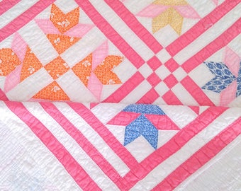 Vintage Pink Quilt, Multicolor Goose Tracks Quilt, Hand Stiched Medium Weight Quilt, Pink and White Quilt, Feed Sack Quilt, 84x80