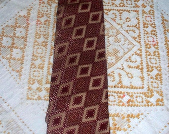 1970s Wembley Men's Tie  - Clip On Tie - Burgundy Tan Graphic Print - Wide Width
