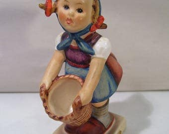 "Vintage M.I. Hummel Little Helper 4"" Girl Porcelain Figurine, #73, TMK3, Goebel, Germany"