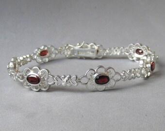 Vintage Sterling Silver & Oval Faceted Garnet Lacy Flower Link Bracelet