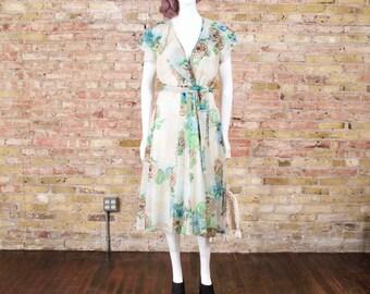 coming up roses 70s flutter sleeve dress / aline dress / rose print dress / full skirt dress / floral dress / botanical / romantic / wrap