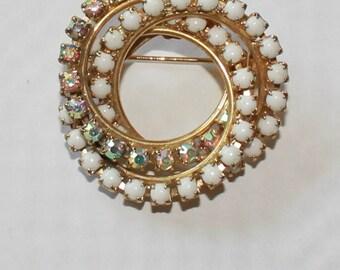 Vintage Goldtone Double Swirl Pin Brooch