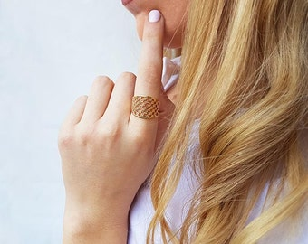 Dainty design ring, Fine gold ring, Lace ring, Adjustable ring, Statement ring, Gift ideas, Rings for women, Fashion rings, Unique rings