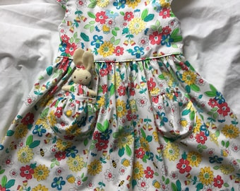 Bee Blossoms Dress size 3T with a Pocket Bunny
