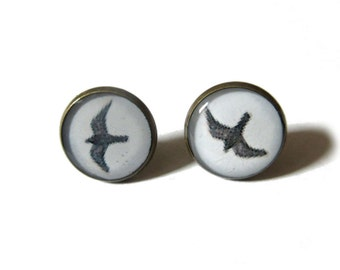 BIRD EARRINGS - Bird stud earrings - flying Bird earrings - black bird post earrings - bird jewelry - Gift idea for woman - gift for her