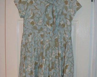 SALE 1960s Green Leaf Dress M
