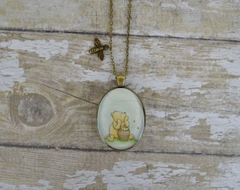Winnie the Pooh Hunny Pot With Flying Honey Bee Charm Vintage Gold Necklace