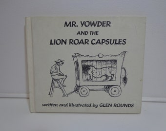 Vintage 70s Mr. Yowder and the Lion Roar Capsules by Glen Rounds Book, Weekly Reader Children's Book, Classic Collectible Ephemera