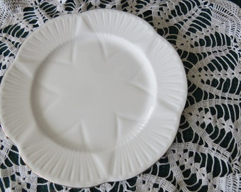 Serving plate - fine bone china - shelley - England