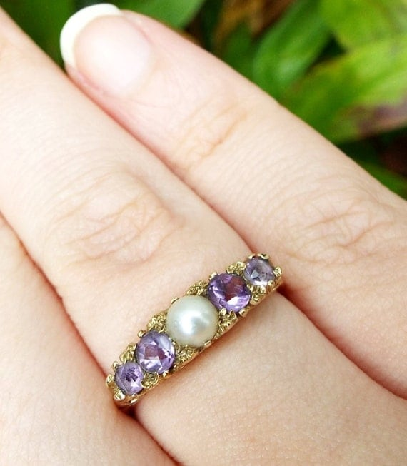 Victorian 9ct Yellow Gold Beautiful Ornate Amethyst and White Pearl Ring Size P